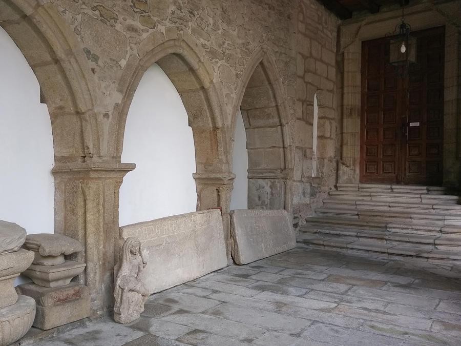Entrada al Panteón de Galegos Ilustres
