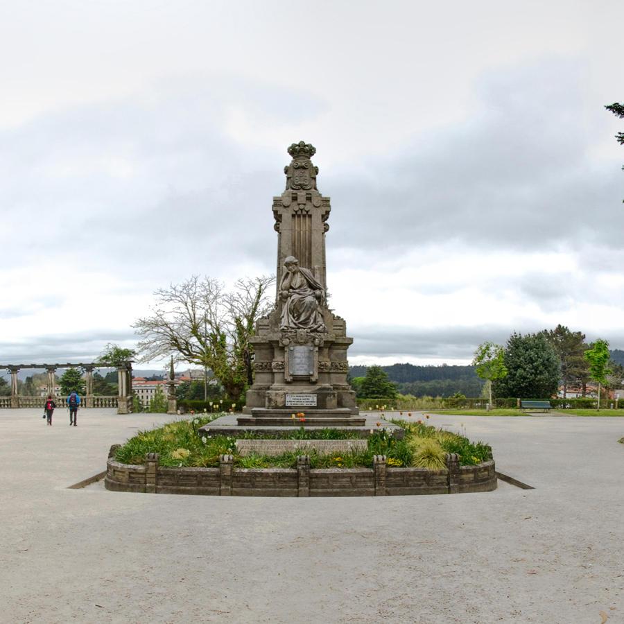 Estatua de Rosalía de Castro - Alameda