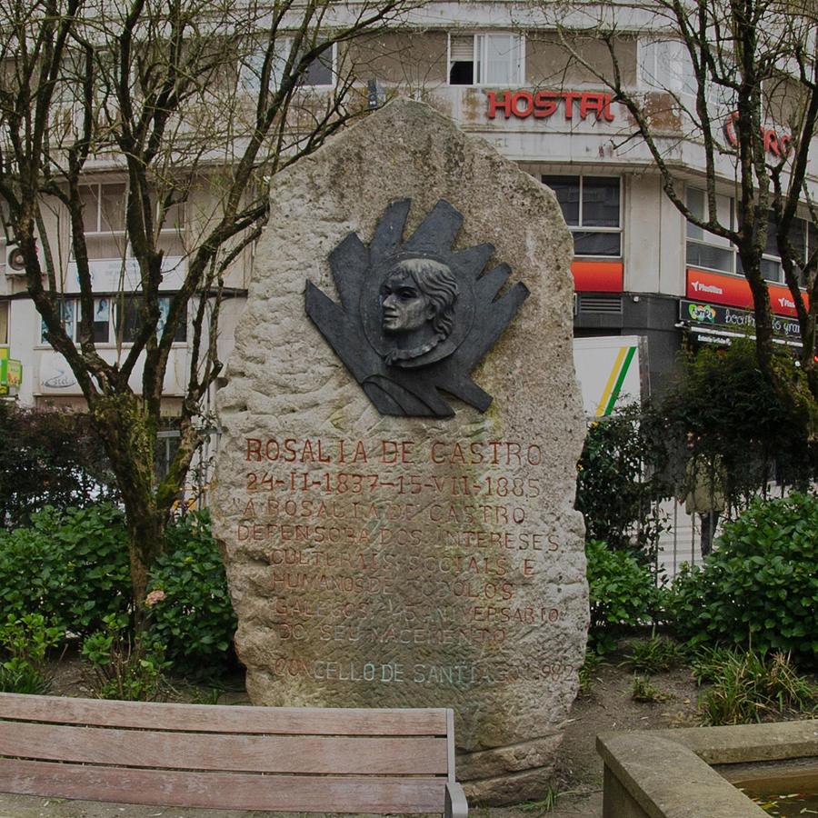 Monumento a Rosalía de Castro - Praza de Vigo